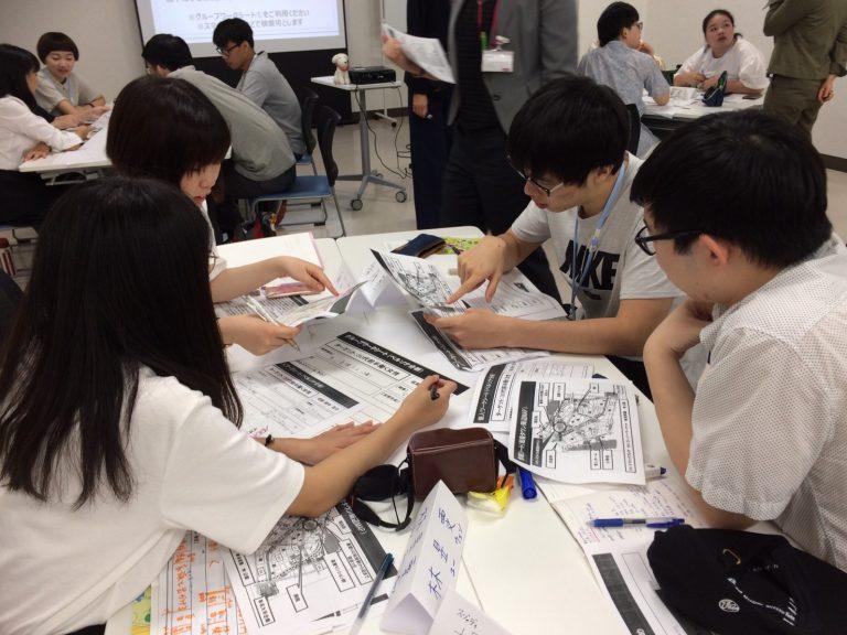 與日本學生分析目標客群,設計顧客需要的店鋪